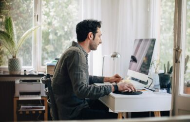 5 Ways to Stay Healthy While Working in the Office
